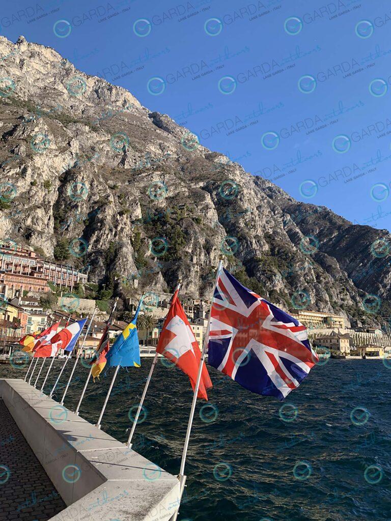 Limone sul Garda – flags