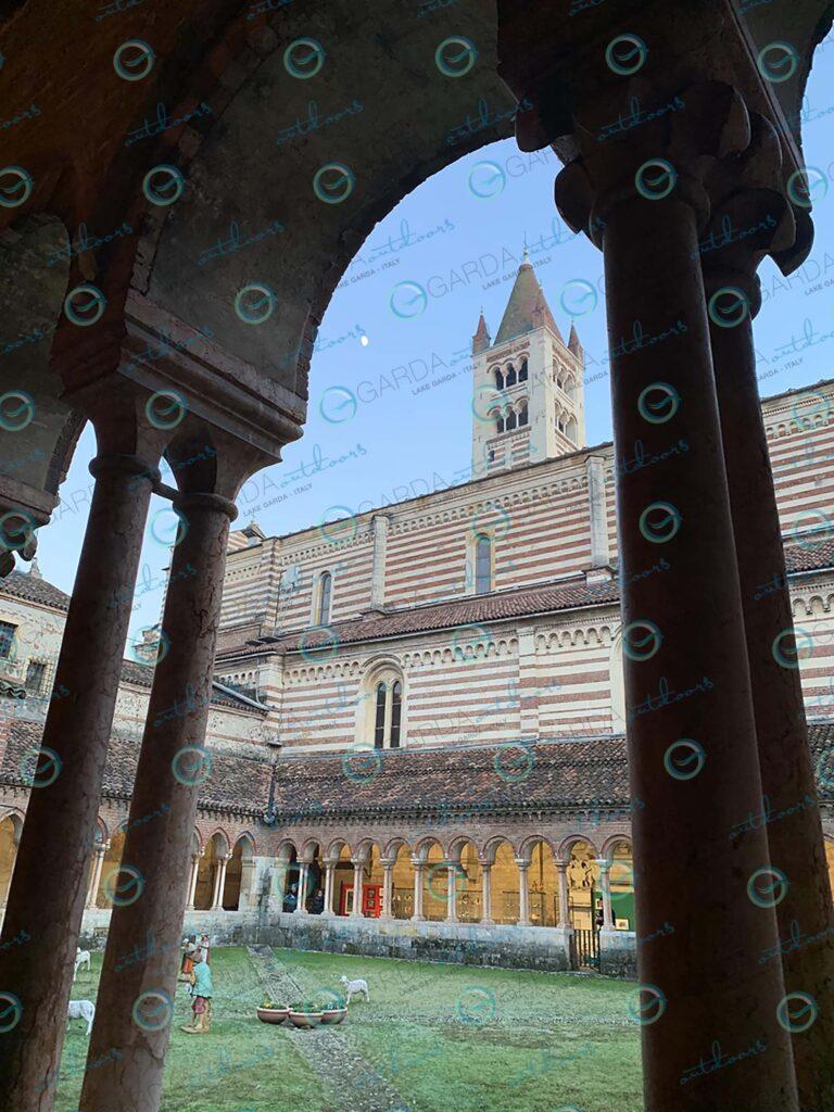 Verona – colonnade Basilica di San Zeno