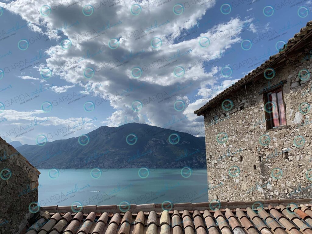 Campo di Brenzone – roof and clouds