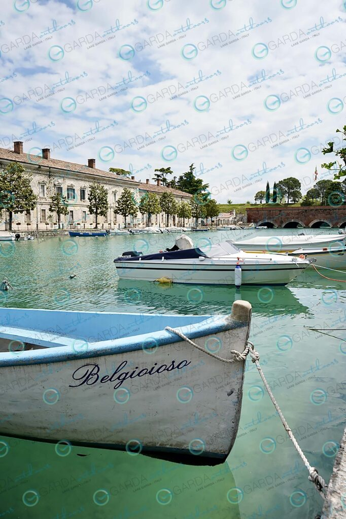 Peschiera – boat in the foreground