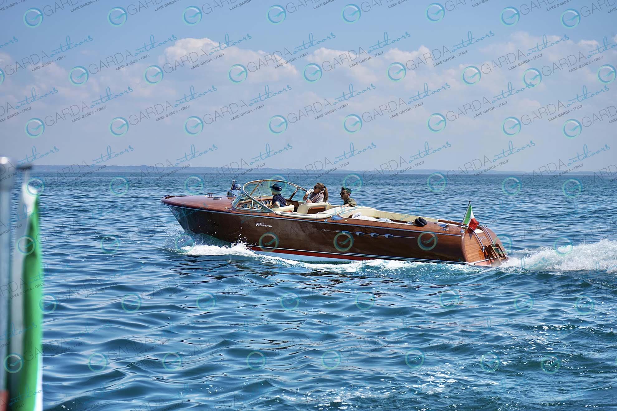 motorboat riva
