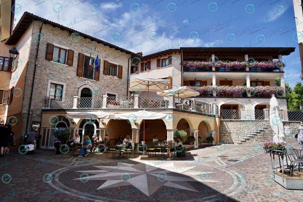 Tignale – Gardola central square
